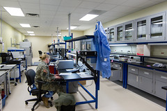 operating theater(0.0), building(1.0), room(1.0), laboratory(1.0),
