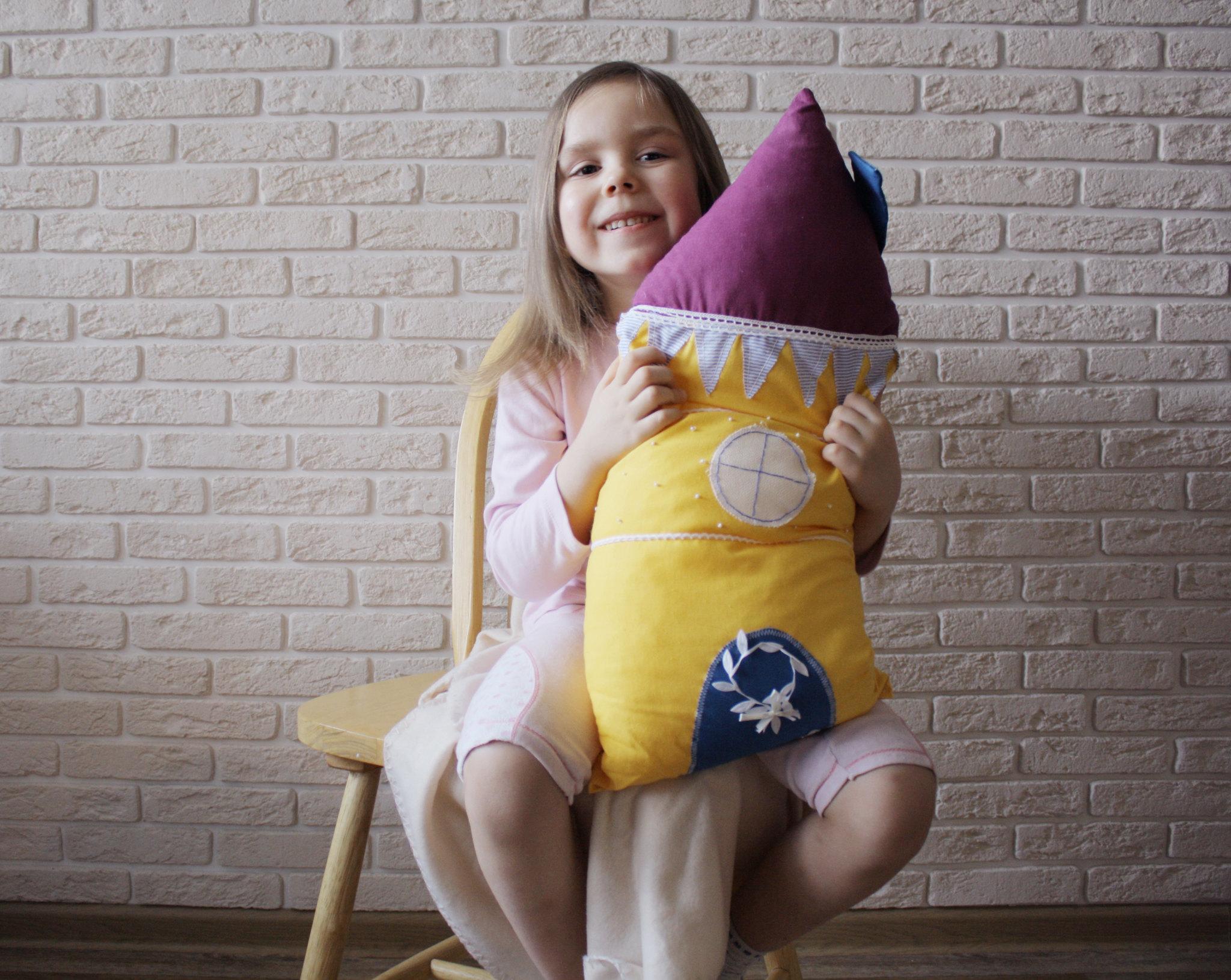 house_pillows_sami_s_usami_2014_5