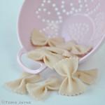 Felt farfalle pasta
