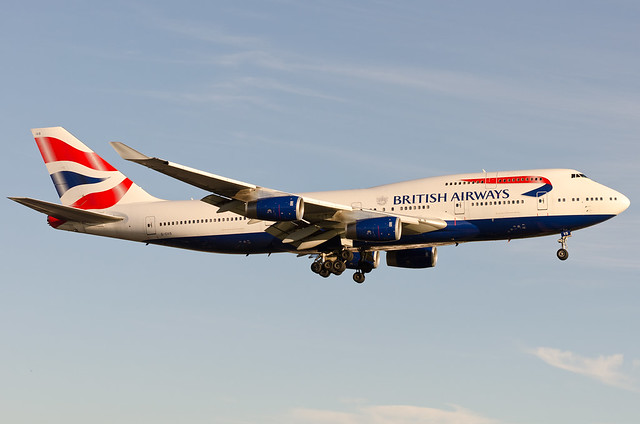 British Airways Boeing B747-400 @ American Airlines Airbus A330-200 @ Heathrow (LHR/EGLL)