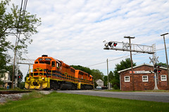 2016 05-26 1707 MMID GP38-3-2061, SD40-2-3450 S/B UBST, New Midway, MD