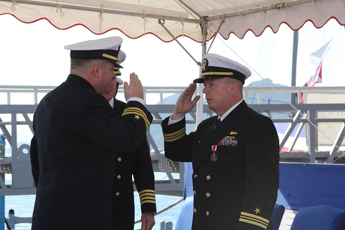 USS PIONEER (MCM 9) Holds Change of Command