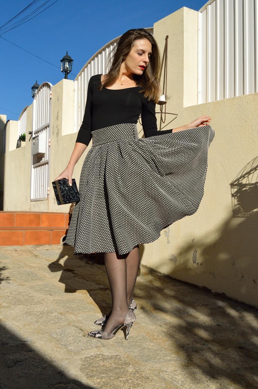 lara-vazquez-mad-lula-style-streetstyle-midi-skirt-look