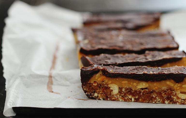 raw-vegan-snickers-bars