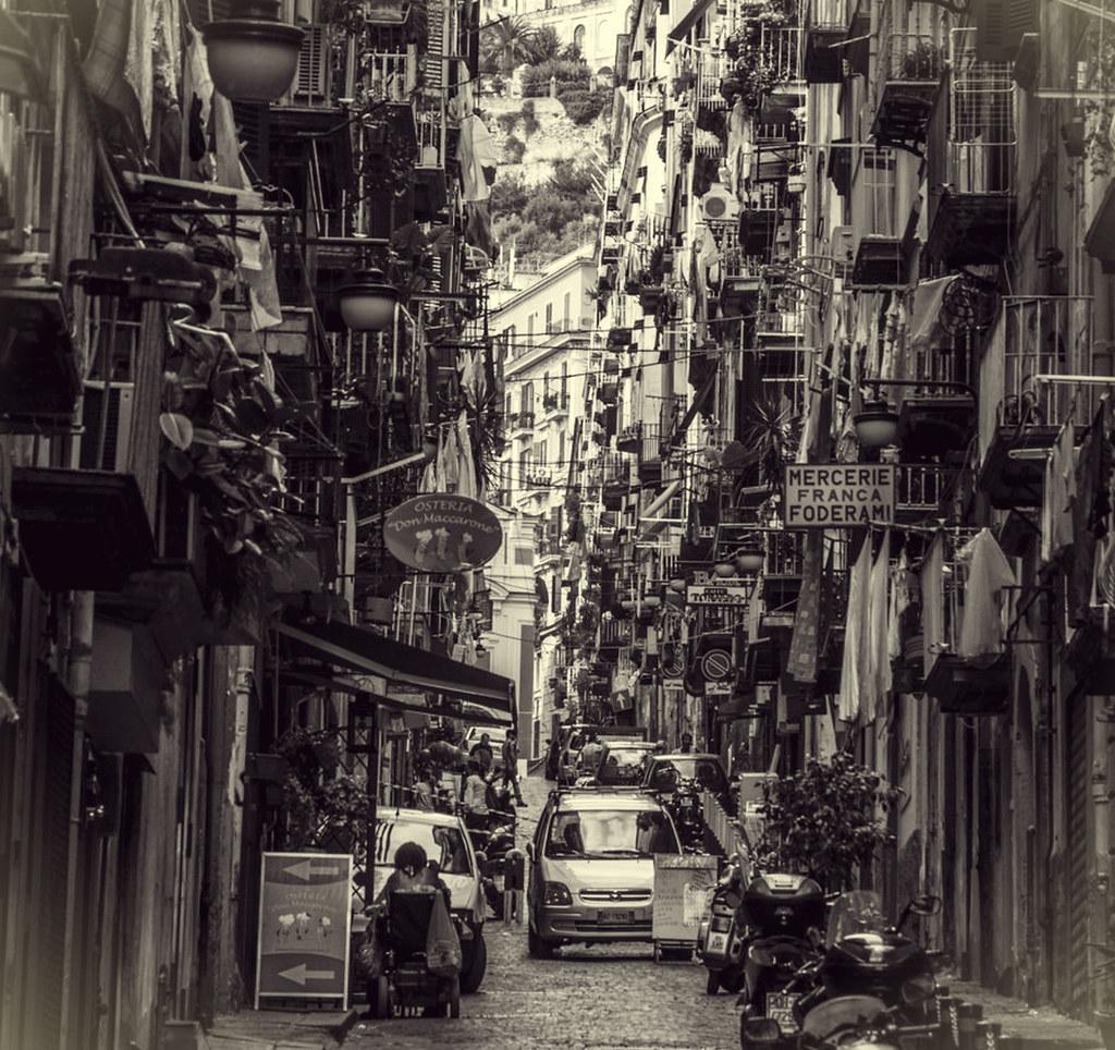 Ruelle des Quartiers Espagnols à Naples - Photo de Bianca Vola