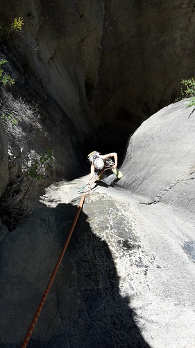 Escalade en canyon   Ruisseau de champs gras. Daluis.  Alpes de haute Provence.  France