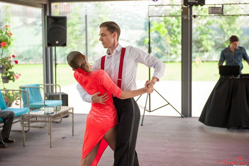 Dansuri pentru Evenimente Speciale / Ore pentru dansul mirilor  > Foto din galeria `Dans`