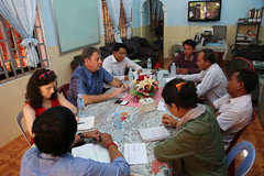 Ambassador Heidt meets with civil society groups in Sihanoukville.