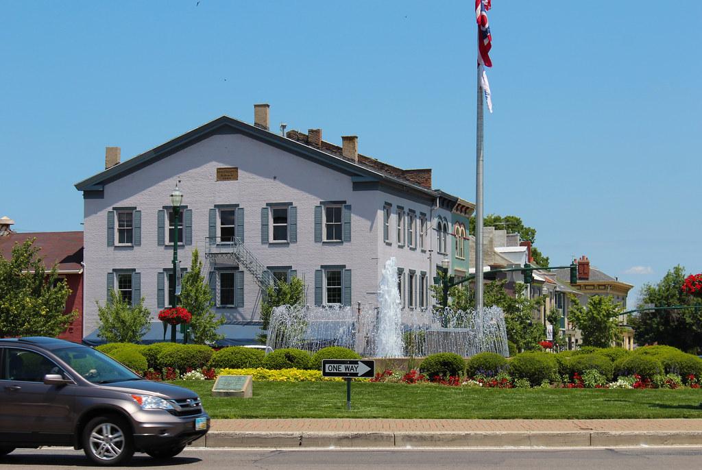 Hotels Near Troy