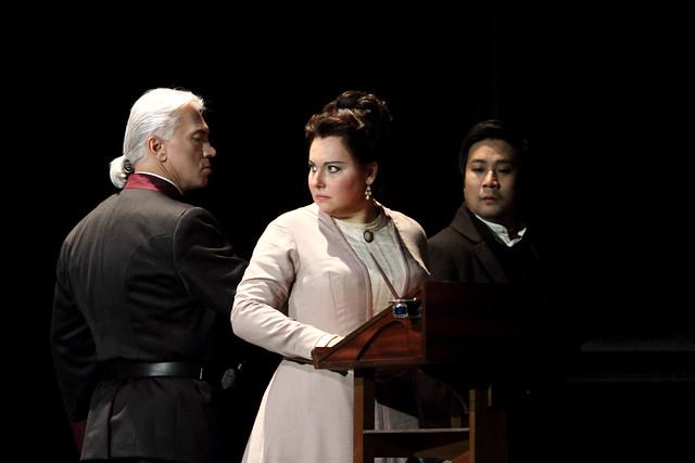 Dmitri Hvorostovsky as Renato, Liudmyla Monastyrska as Amelia and Jihoon  Kim as Tom in Un ballo in maschera © ROH. Photographer Catherine Ashmore