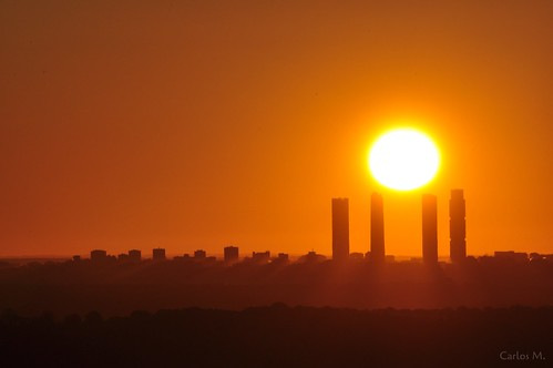 madrid sun sunrise temple amanecer cuatrotorres photopills