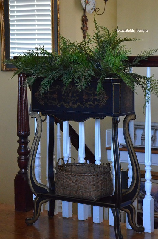 Black and gold planter-Housepitality Designs