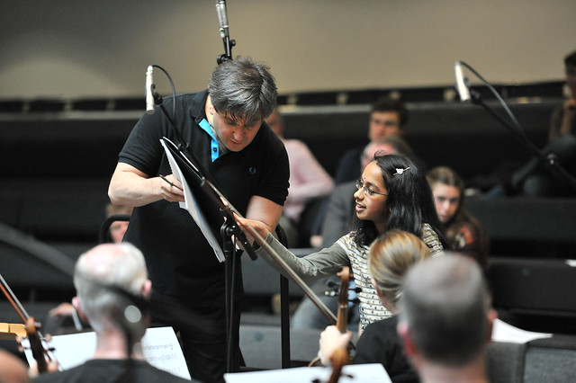 Sir Antonio Pappano works with a Fanfare competition winner © ROH. Sim Canetty-Clarke 2011