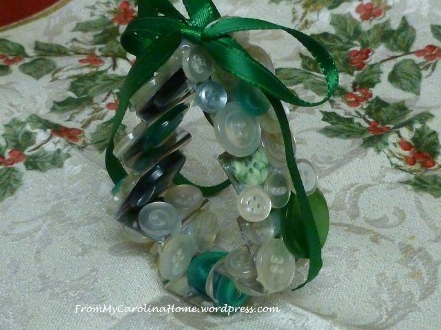 Button tree ornament 2