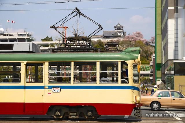とさでん交通、高知城