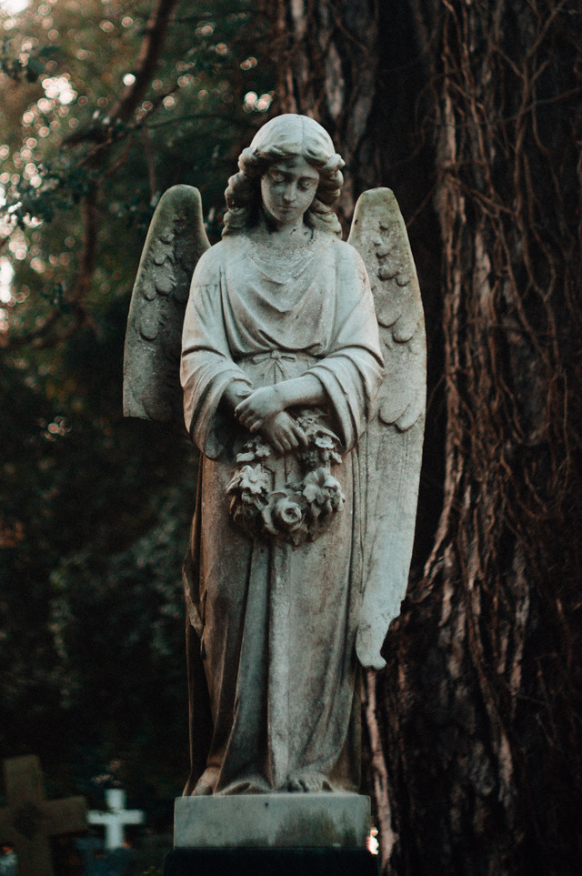 angel in cathays cemetery, cardiff