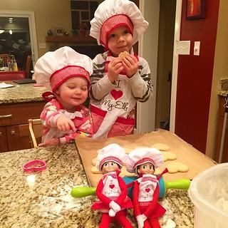 Elf on the Shelf dress-up! #elfontheshelf #kids