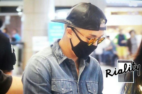 Big Bang - Gimpo Airport - 05jun2015 - Seung Ri - withriality - 01