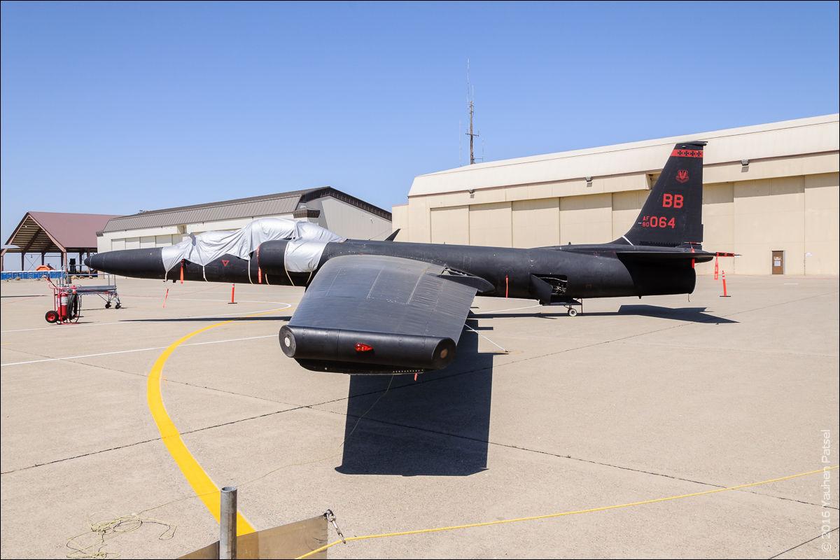 Lockheed TR-1B (s/n 80-1064)