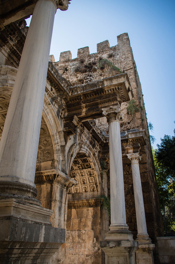 Porte : Colonne Chateau et Arche de Pierre