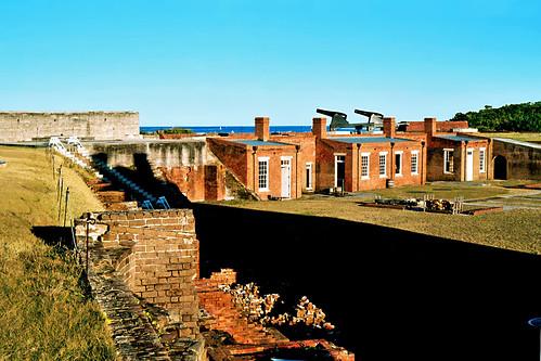unitedstates florida fort bricks cannon guns fernandinabeach clearsky fortclinchstatepark