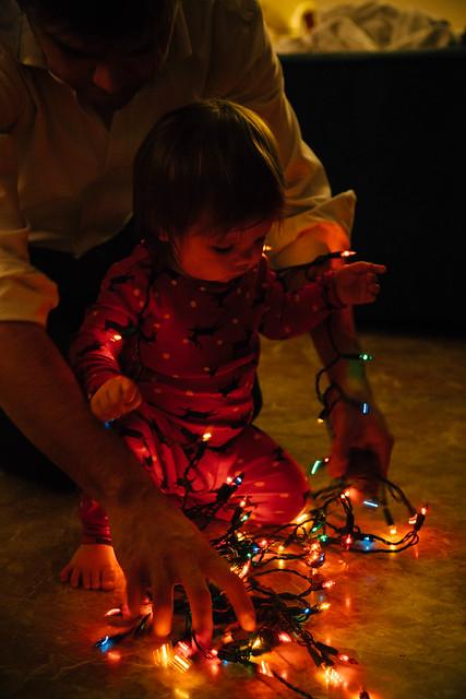 Shiloh setting up christmas tree-3
