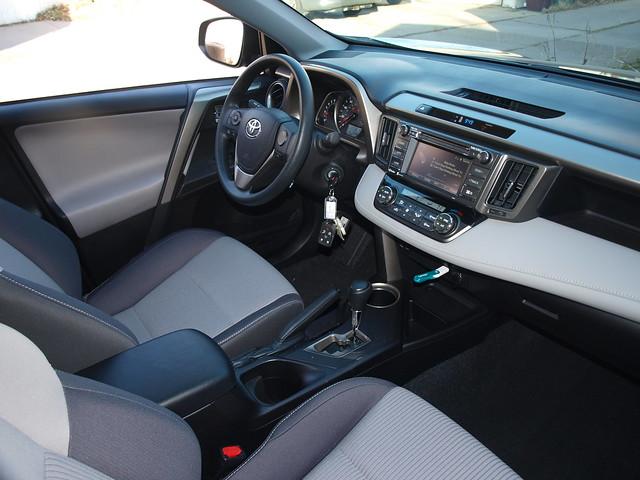 2014 Toyota RAV4 XLE Interior 005