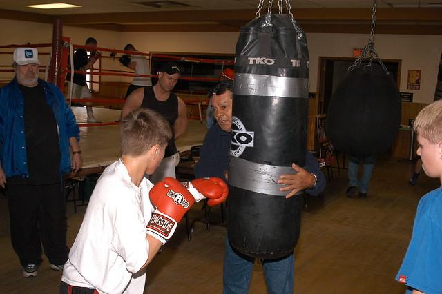 Roberto Duran Visits Duluth Boxing Gym