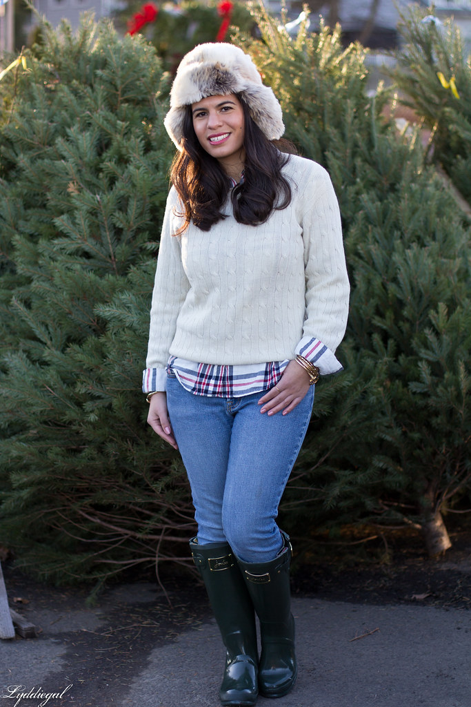 white sweater, plaid shirt, green wellies-4.jpg