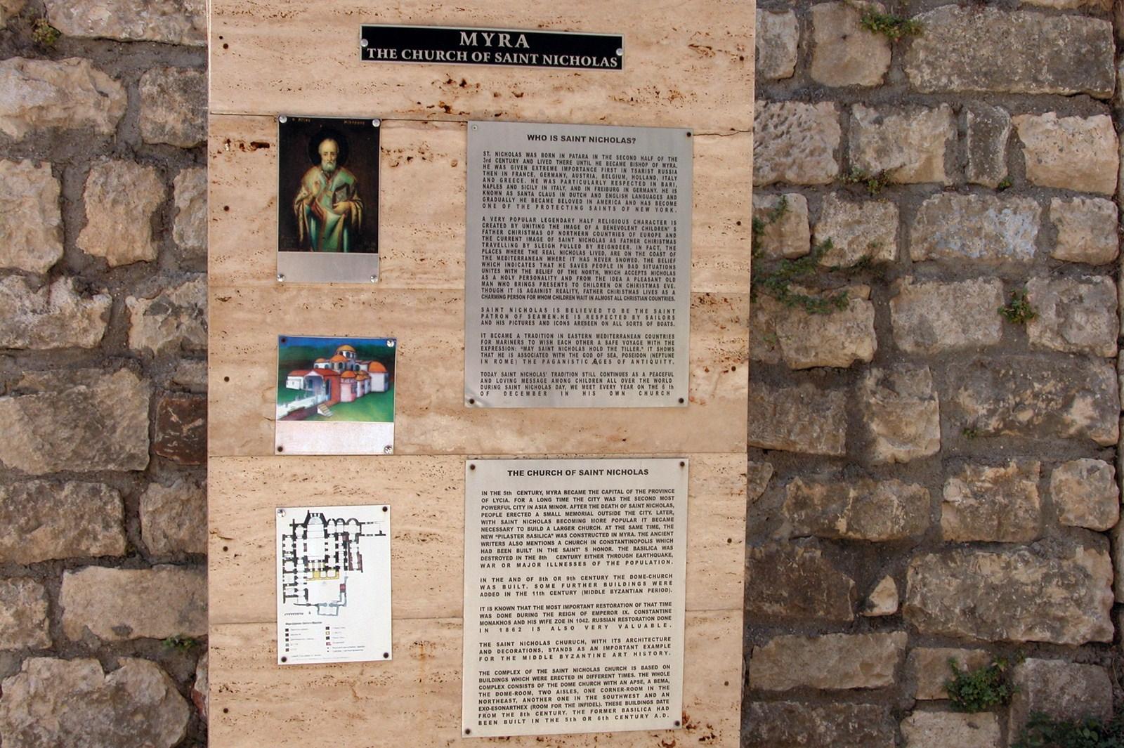 Historia de San Nicolás en la entrada de la iglesia en la que fue Obispo Santa Claus y su vida en Turquía - 16084770471 50b59b21e5 o - Santa Claus y su vida en Turquía