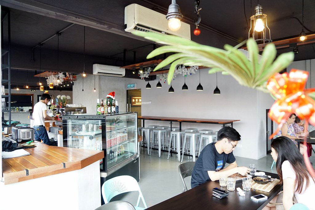 Bedrock Restaurant cafe - taipan - waffles, breakfast, salt chicken-001