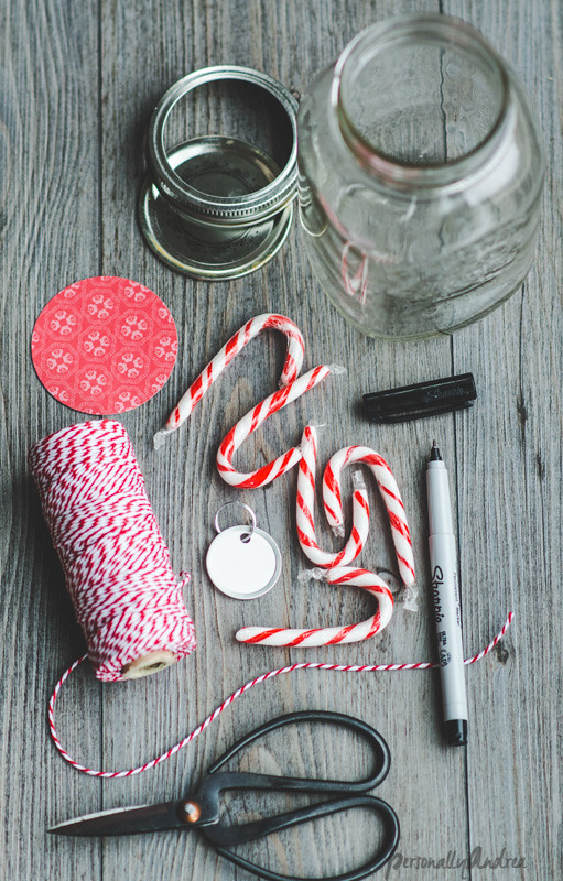 Last Minute Candy Candy Cane Jar Gift | personallyandrea.com