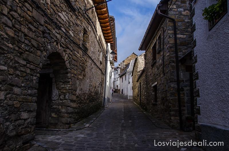 calles de Aísa en la Jacetania