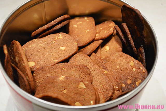 Cut gingerbread cookies by iHanna, Copyright Hanna Andersson
