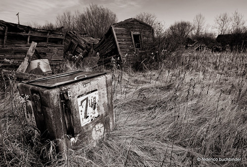 old autumn bw fall abandoned monochrome fridge decay manitoba cooler refrigerator beverages decayed decaying 7up tallgrass refreshments sodapop piney ruralexploration rurex
