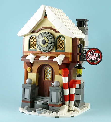 LEGO 10245 Santa's Workshop 12