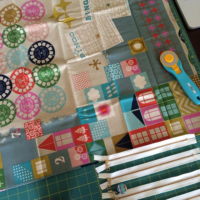 I was going to make boxy pouches, but I don't think I can cut this fabric up! ��✂️#cottonandsteel