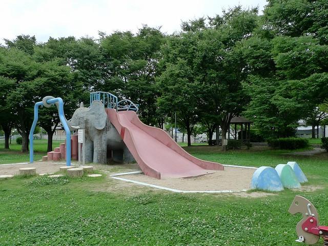 Elephant Slider (象のすべり台)