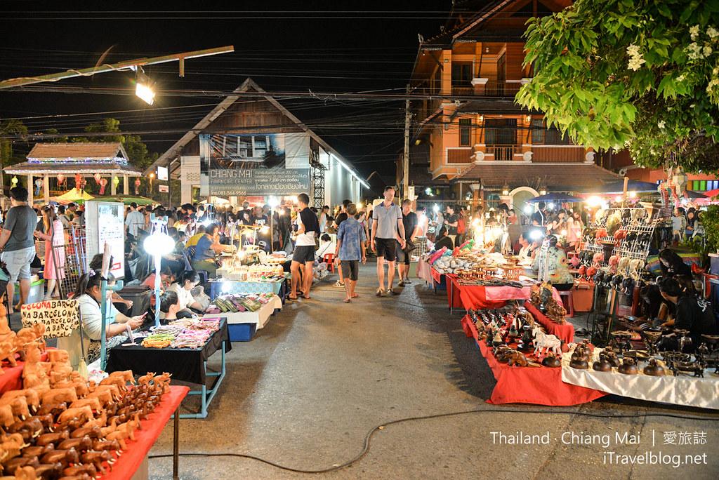 Wualai Road Saturday Night Market 清迈周六夜市04_mini