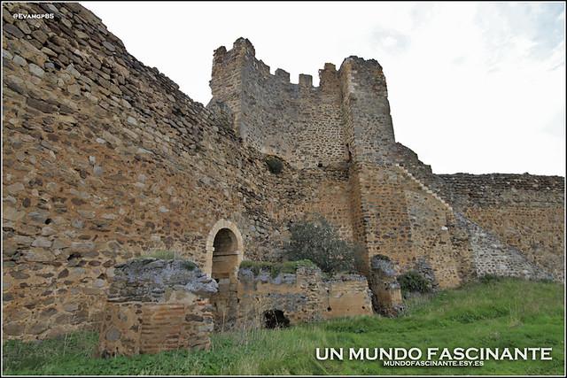 Torre del Homenaje, grutas a las cárceles
