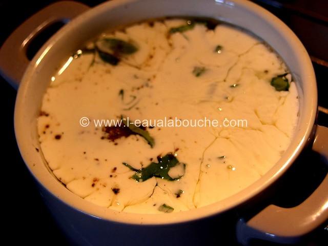 Oeufs en Cocotte Basilic Crème & Parmesan © Ana Luthi Tous droits réservés