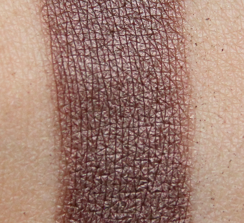 Claudia always a classic eyeshadow single swatch