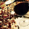 A New York pizza dinner this Sunday.. Can't go wrong with Grimaldi's pizza and Cotes du Rone.  #Grimaldi's #pizza #grimaldispizza #cotesdurone #pizzadinner #newyorkpizza #familytime #sundaydinner #sunday #familydinner #dinnernewyorkstyle #pizzanight #what