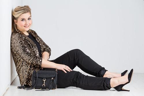 outfit-silvester-look-schwarz-gold-pailletten-blazer-fashionblog