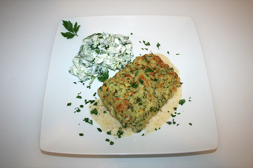 64 - Salmon filet gratinated with potatoe cheese - Served / Lachsfilet  mit Kartoffel-Käse-Kruste - Serviert