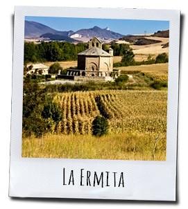 "Het romaanse kerkje ""La Ermita de Santa Maria de Eunate"""