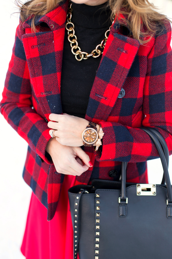 Winter details in red, black + gold