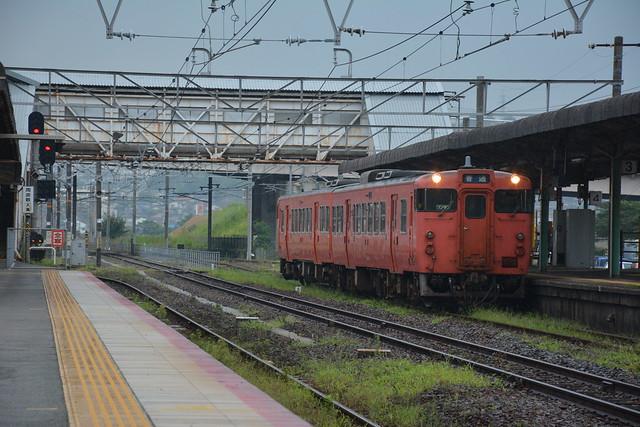 キハ47 100、幡生駅