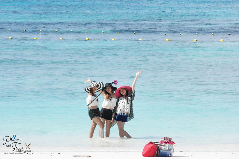 tachai island three girls selfie