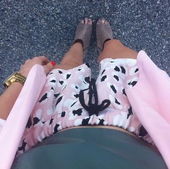 Outfit with Zara shorts, Dorothy Perkins pink blazer and Birds on a Wire fashion crop top